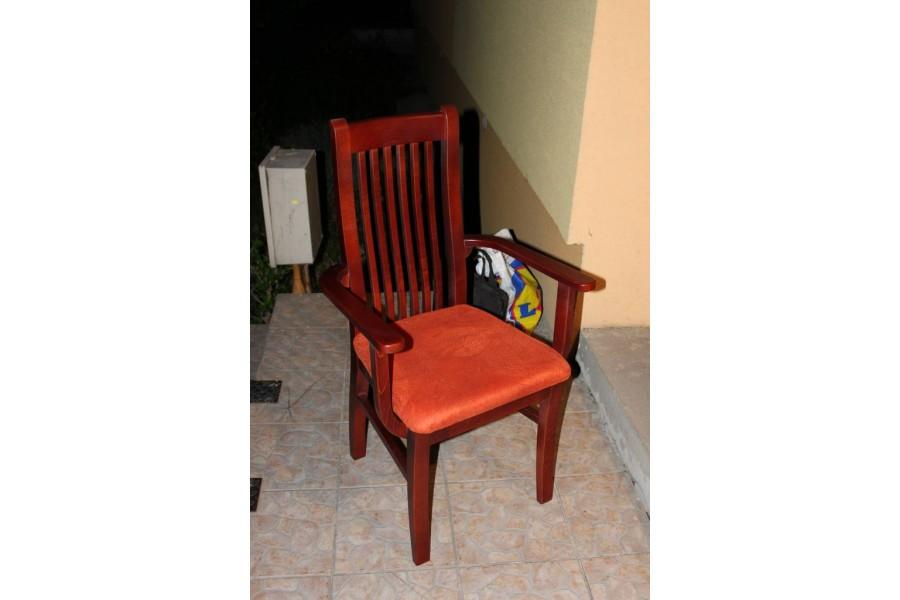 Stolička DM 12 P